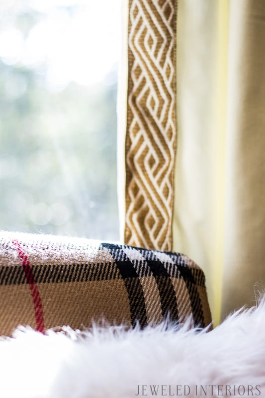 Try this $10 trick to add style to your windows! || mirror, bench, faux, fur, pillow, throw, blanket, lighting, sconce, lamp, milo, baughman, burberry, pillow, pillows, bedroom, winter, fall, seasonal, wayfair, target, west elm, mid centure, pottery barn, hayneedle,