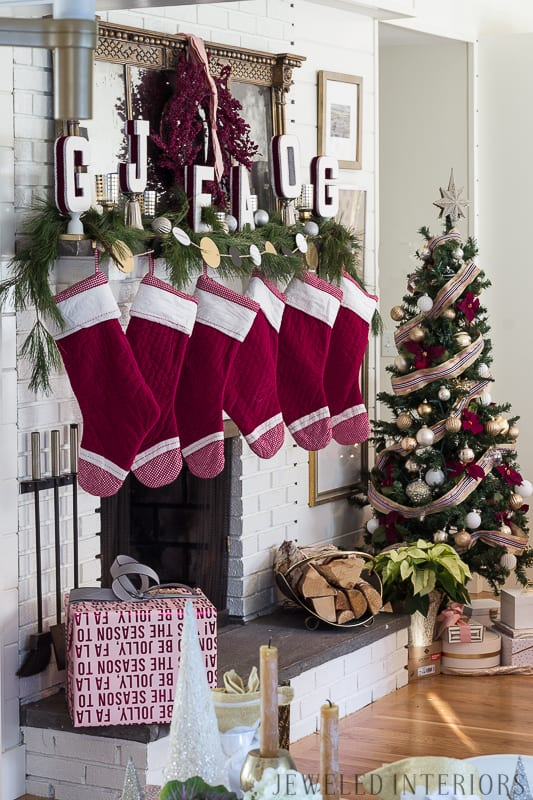 Looking for inspiration for Christmas decor? You have got to see this! Jeweled Interiors Holiday Home Tour | Burgundy, Blush, Christmas, Decor, Ideas, Tips ⋆ Jeweled interiors, wreaths, holiday, tree, decor, decorations, stockings, ideas, DIY, inspiration, burgundy, blush, red, maroon, wine, home tour, glam, chic, peach, gold, black, white, mirror, antique, pottery barn, stockings, monogram, fireplace