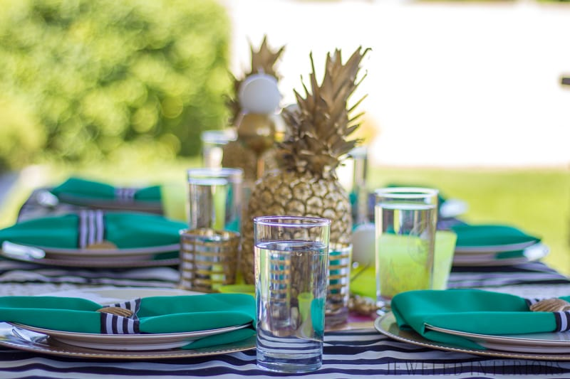 How to Decorate an INEXPENSIVE Pineapple Party!