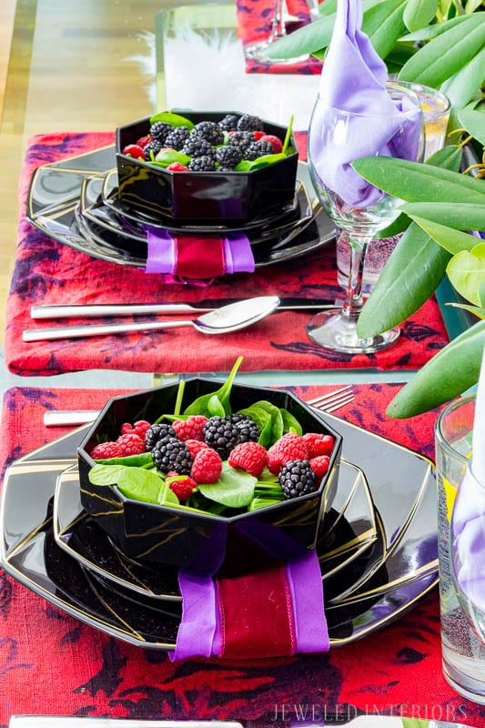 valentines, valentines day, tablescapes, placemats, DIY, tutorial, How to, flowers, red, purple, African violet, moody floral, candles, brass, Cliente, ultra violet,