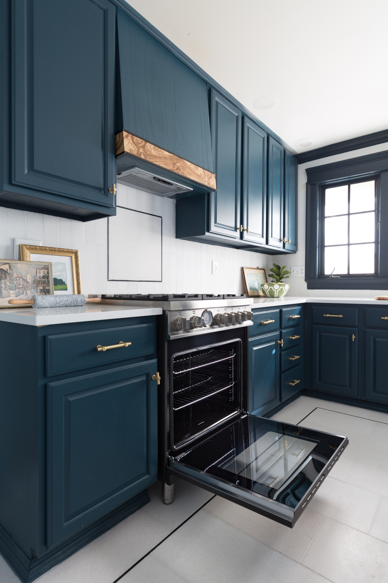 Dream Oven Range!  Check out the deets on this Bertazzoni 30 in all gas burner, matte black oven range from Jeweled Interiors Kitchen for the Fall One Room Challenge