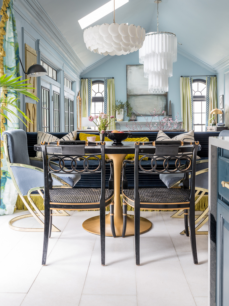 Have you seen the Jewel Marlowe Home Tour? Spring 2020, eat in, banquette, fringe, channel tuft, pinstripe, navy, marble floors, tulip table, Original BTC lighting, HVLG, Tyrell