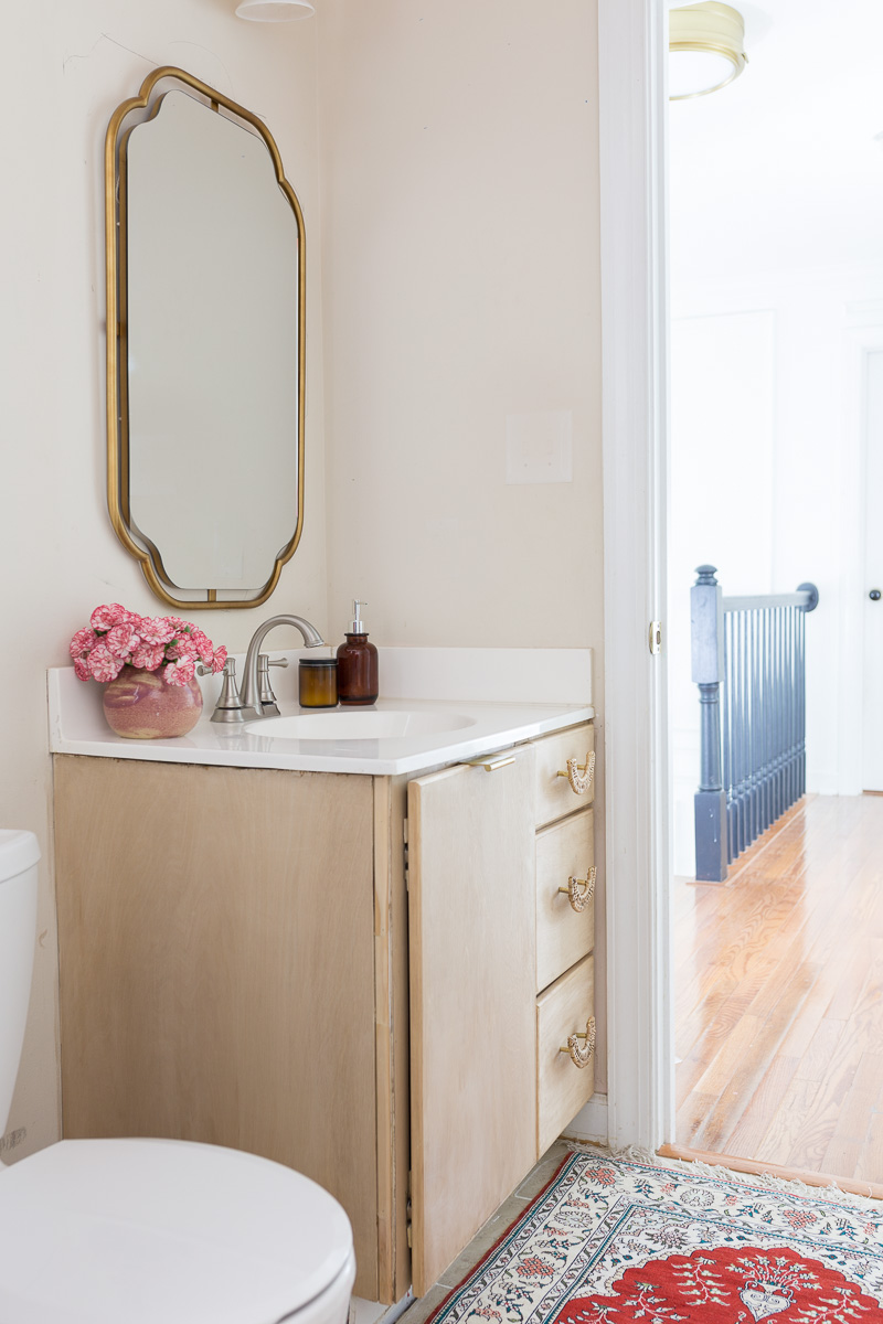 DIY Bathroom vanity, Bathroom DIY, diy bathroom remodel on a budget, Anthropologie inspired bathroom, DIY Anthropologie, Anthropologie bathroom, Anthropologie mirror