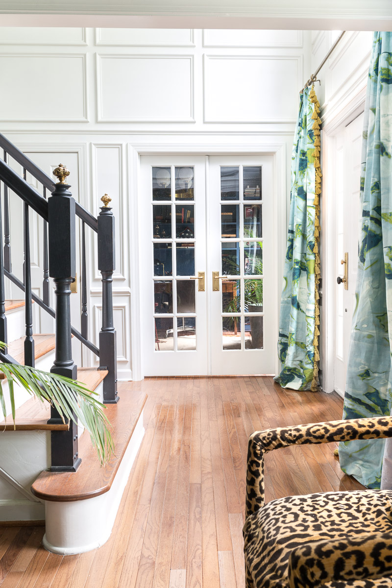 AWESOME REVEAL! How to pick door hardware, brass, door knobs, porcelain knob, Door hardware upgrade,  entryway with moulding, entryway drapes