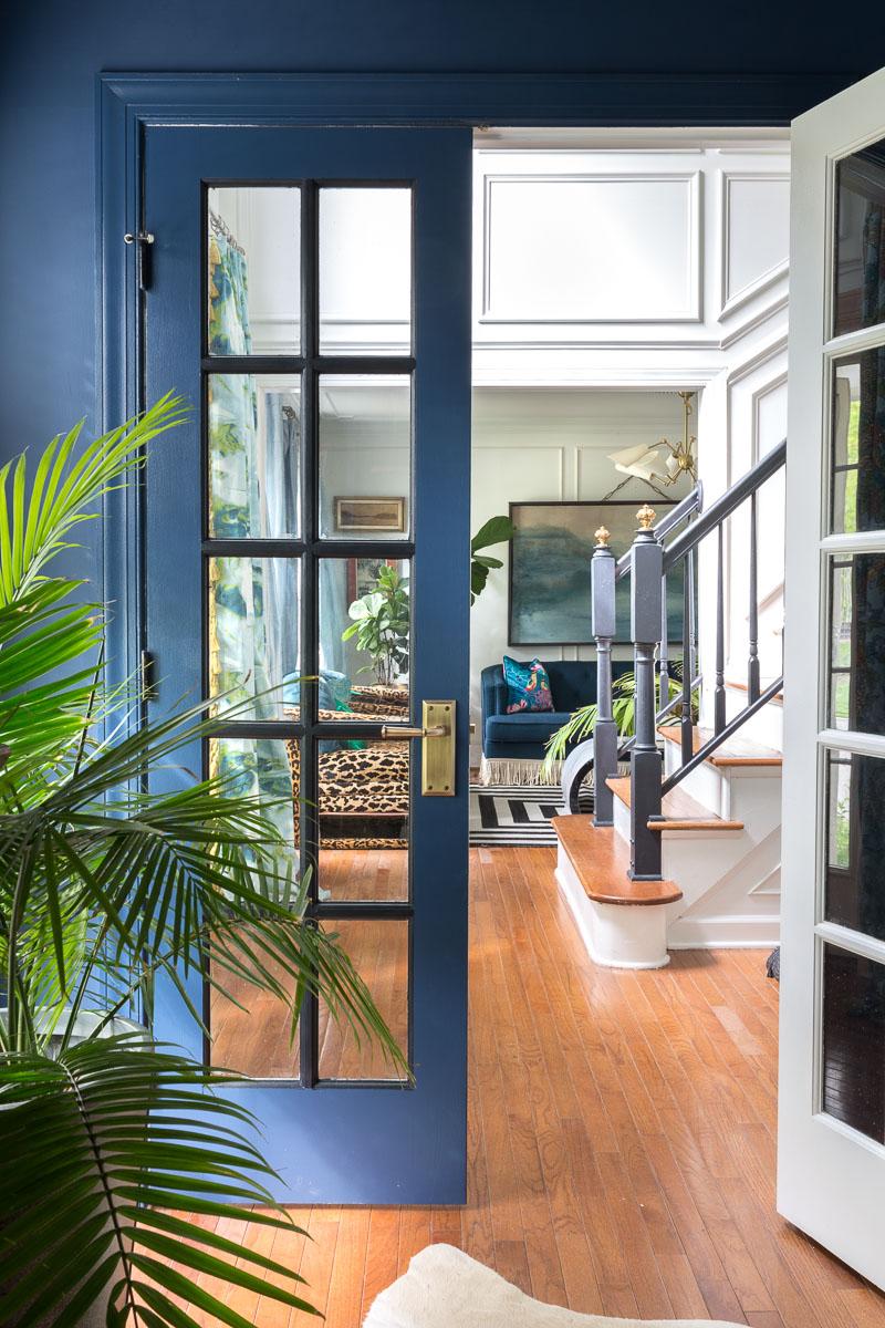 AWESOME REVEAL! How to pick door hardware, brass, door knobs, porcelain knob, Door hardware upgrade, Stiffkey blue