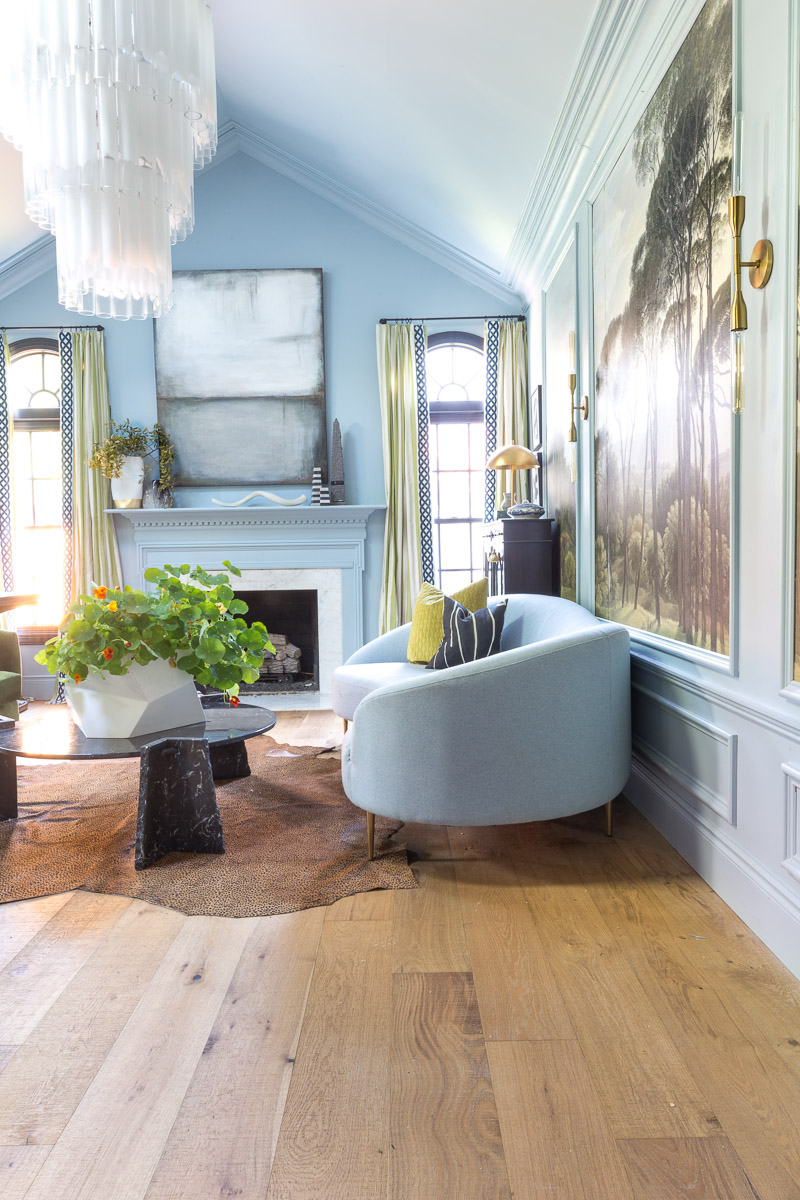 colorful home, Jewel Marlowe Home Tour, summer 2020, jeweled interiors portfolio, living room, curvy sofa, over sized chandelier, Parma Gray, blue walls