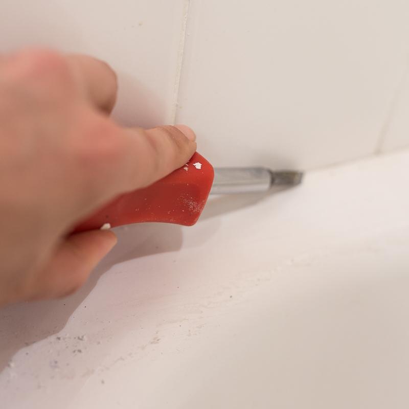 tile paint, how to paint your tile, how to paint your shower, shower paint, custom color match shower paint, frog tape, Klass Kote