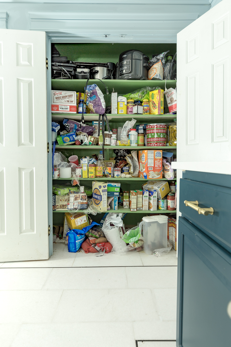 New Year New Room Challenge, closet organization, wallpapered closet, pantry organization, tips